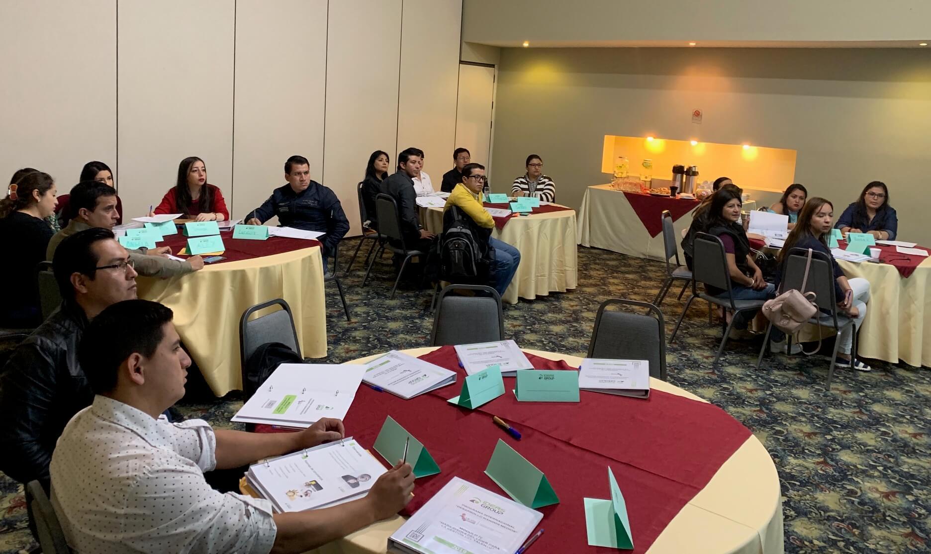 Programa de Desarrollo de Mandos Medios -Módulo 4 Fundación FACES - Loja, Ecuador - Capacitación empresarial - Gestión del talento humano
